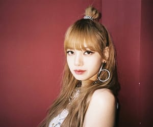 beauty, lisa, and square up image