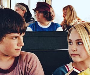 anna sophia robb, bus, and mates image
