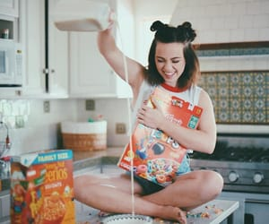 breakfast, cereal, and couple image