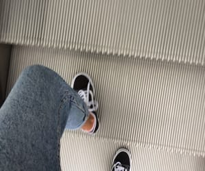 girl, gris, and shoes image