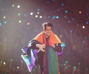 brendon urie, tour, and beebo image