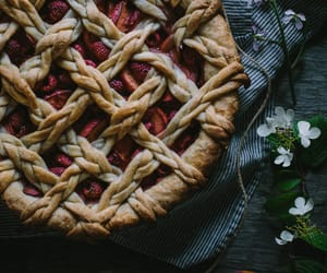 pattern, lattice, and dessert image