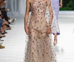 desfile, moda, and pasarela image