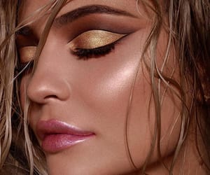 fashion, kylie jenner body, and make up image