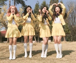 loona, aesthetic, and yellow image