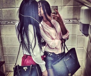 photography, fashion style, and bestfriends girls image