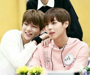 wanna one and nielwink image