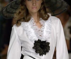 belleza, blanco y negro, and elegancia image