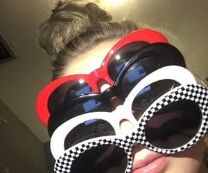 clout and girl image