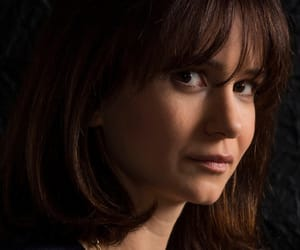 katherine waterston, fantastic beast, and the crimes of grindelwald image
