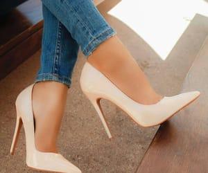Blanc, chaussure, and white image
