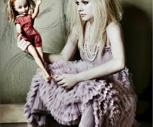 Avril Lavigne, boneca, and girl image