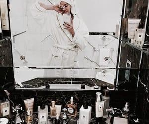 mirror selfie image