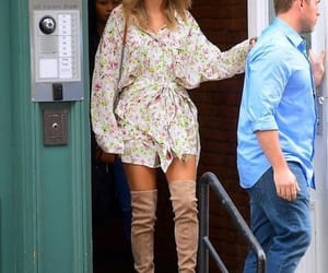 Taylor Swift new candid