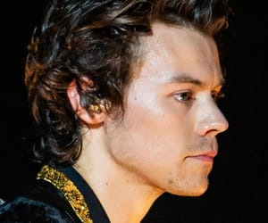 close up, Harry Styles, and live on tour image