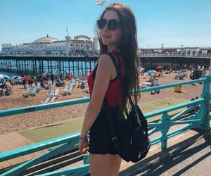 girl, praia, and jadepicon image