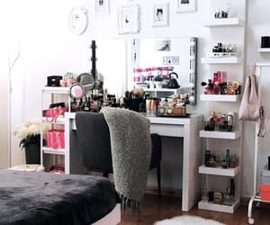 clothes, girly, and makeup image