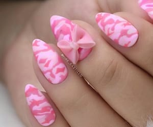 manicure, pink, and yire castillo image