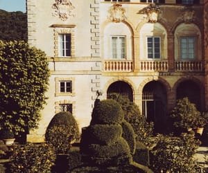 house and garden image