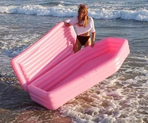 ocean, pink, and aesthetic image