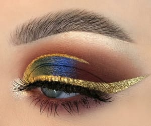 eye makeup image