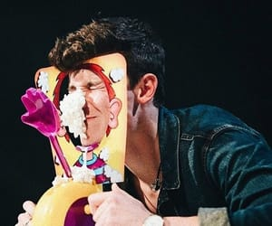 shawn mendes and song image