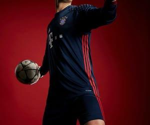 goalkeeper, bayern munich, and manu image