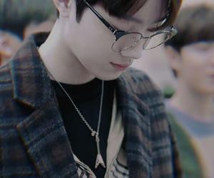 glasses, jihoon, and lai kuanlin image
