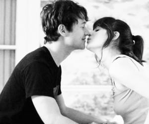 500 Days of Summer, kiss, and Joseph Gordon-Levitt image
