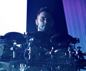30 seconds to mars, drummer, and monolith tour image