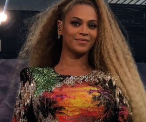 beyonce knowles, mrs carter, and otr ii tour image