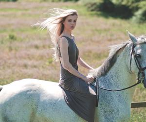 beautiful, bond, and equestrian image