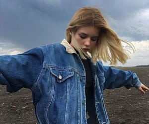 girl, blonde, and aesthetic image
