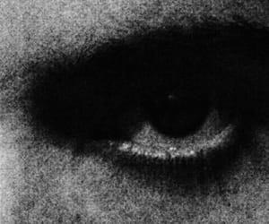 b&w, eye, and grunge image