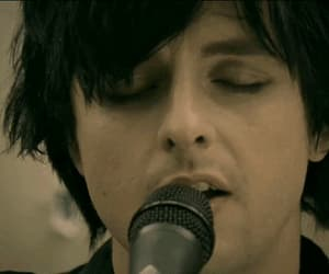 billie joe armstrong, gif, and 21 guns image