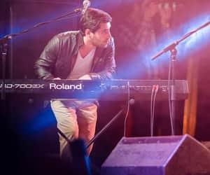 music, singer, and عزيز image