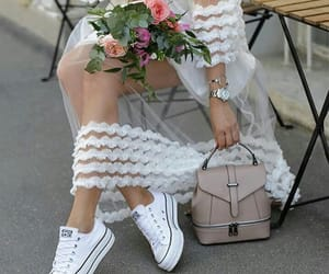 chic and flowers image