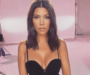 kourtney kardashian, kourtney, and kardashian image