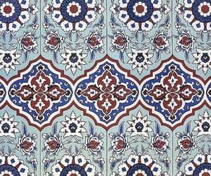 geometric and moroccan tile image