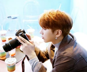 camera, boyfriend material, and kihyun image