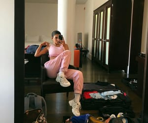 kylie jenner, kylie, and pink image