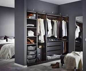 blanco y negro, closet, and gris image