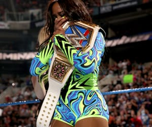 naomi, wwe women's championship, and wwe image