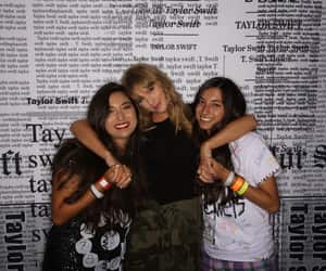 Taylor Swift with fans