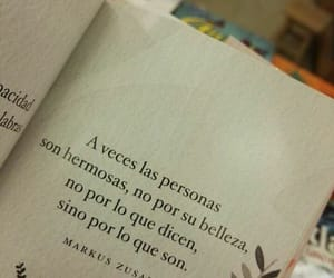 frases and book image