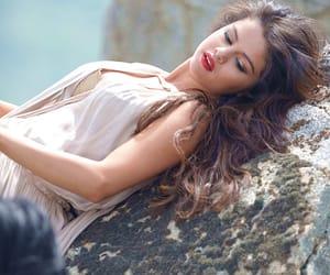 girl, pretty, and selena gomez image