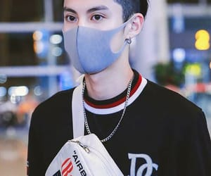 handsome, mask, and meteor garden image