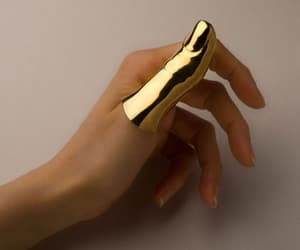 gold, oro, and thumb image