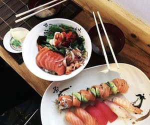 delicious, sushis, and pornfood image
