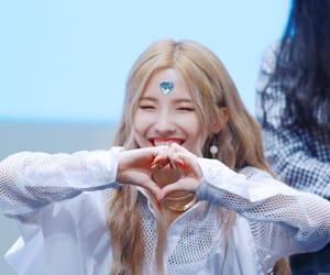 idle, soyeon, and (g)i-dle image